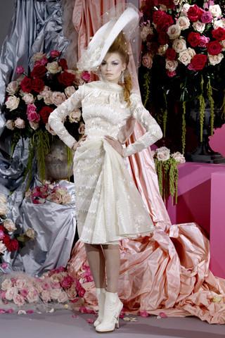 Неделя моды в Париже: Haute Couture. Изображение № 9.