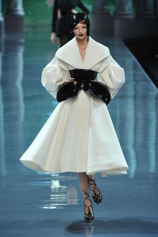Футуристическая классика Dior. Изображение № 1.