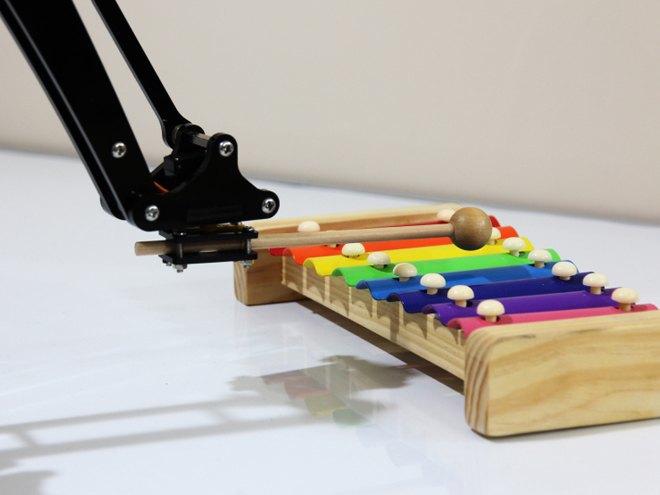 Представлена доступная рука-робот uArm. Изображение № 2.