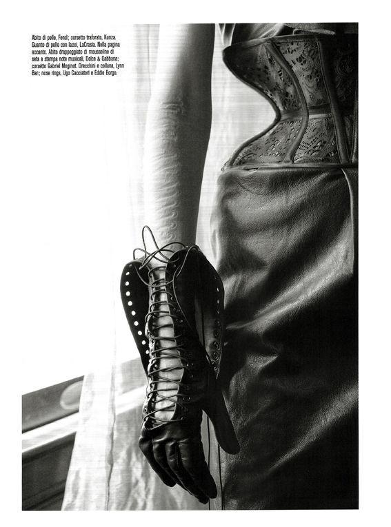 Съёмка: Стелла Теннант в объективе Стивена Майзела. Изображение № 12.