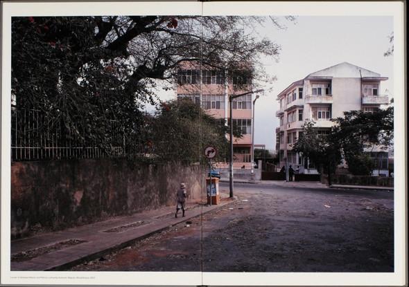 12 альбомов фотографий непривычной Африки. Изображение № 139.