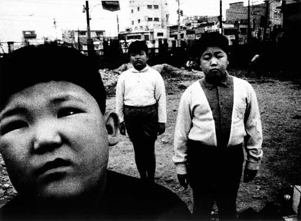 Daido Moriyama «POSTWAR PHOTOGRAPHY 2″. Изображение № 26.