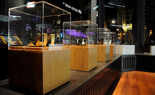 Изображение 1. 20 Великолепных дизайнерских концепций бутиков.. Изображение № 49.