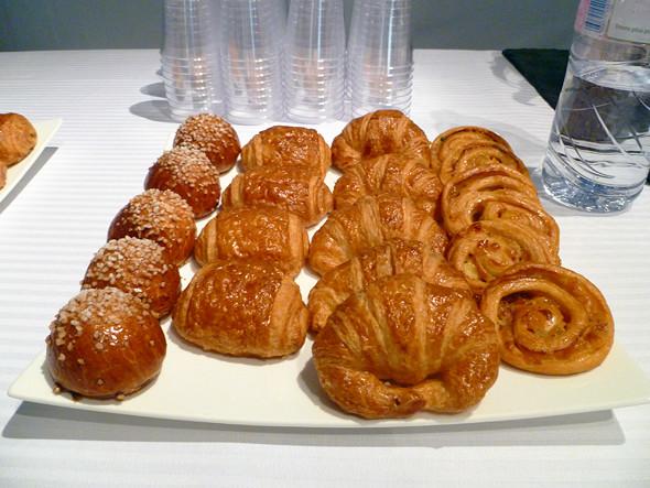 Бэкстейдж Guy Laroche — завтрак. Изображение № 14.