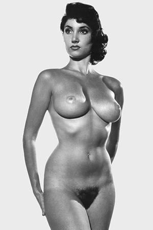 Части тела: Обнаженные женщины на фотографиях 50-60х годов. Изображение № 64.