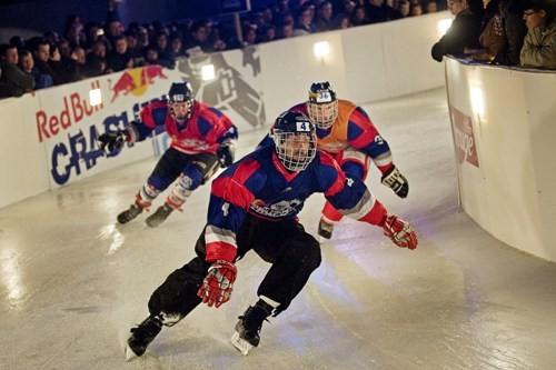 Самые отчаянные конькобежцы мира снова на льду. Изображение № 2.