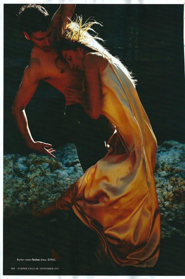 Съёмка: Уилл Дэвидсон для Harper's Bazaar. Изображение № 7.