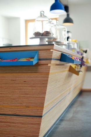 На скорую руку: Фаст-фуды и недорогие кафе 2011 года. Изображение № 47.