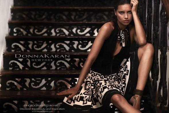 Превью кампании: Адриана Лима для Donna Karan SS 2012. Изображение № 2.