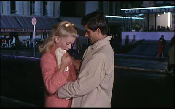 Movie-Looks: «Шербурские зонтики». Изображение № 2.