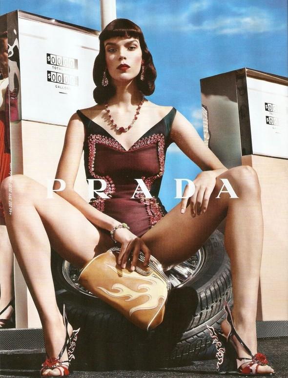 Превью кампаний: Bottega Veneta, Mulberry, Prada и другие. Изображение № 8.