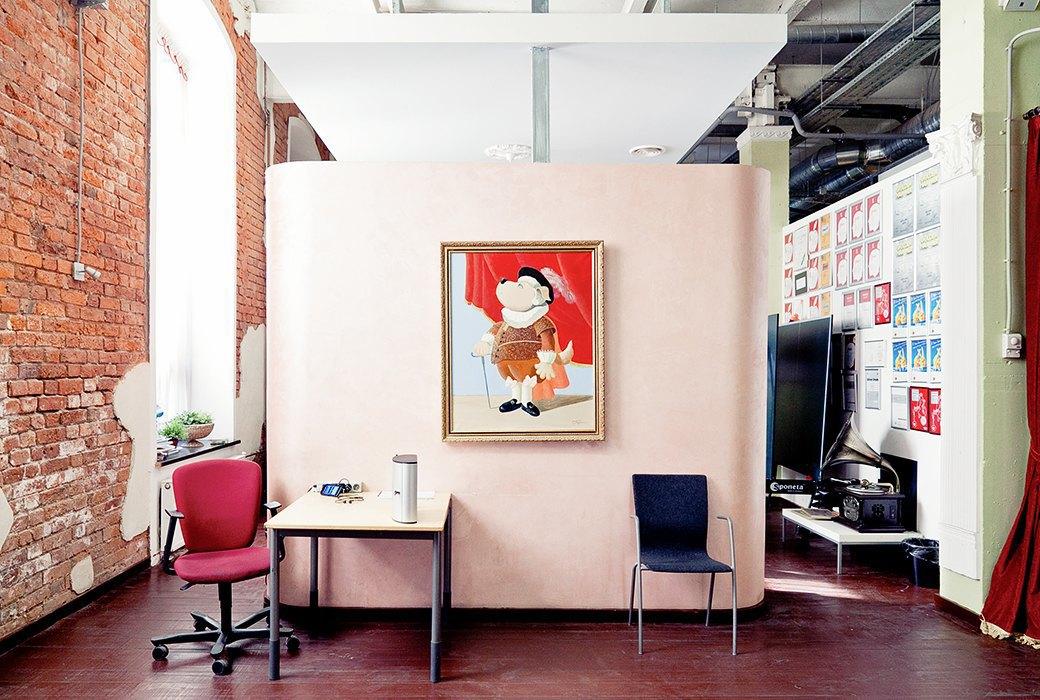 Портрет лошади, алфавит  и золотое пианино  в агентстве Instinct. Изображение № 9.