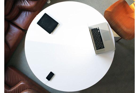 Изображение 2. Голос из ниоткуда: кофейный столик со встроенными динамиками.. Изображение № 2.