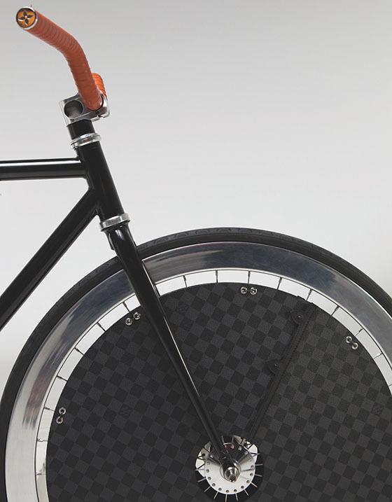 Велосипед для игры в поло от Louis Vuitton. Изображение № 2.