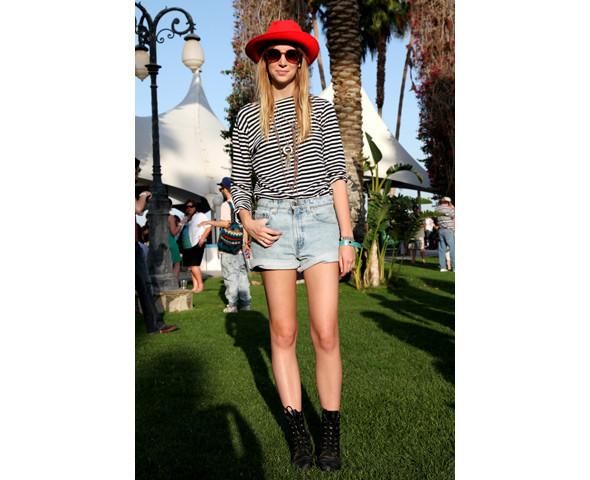 Стрит-стайл на фестивале Coachella. Изображение № 21.