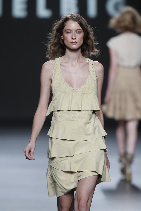 Madrid Fashion Week SS 2012: Teresa Helbig. Изображение № 9.
