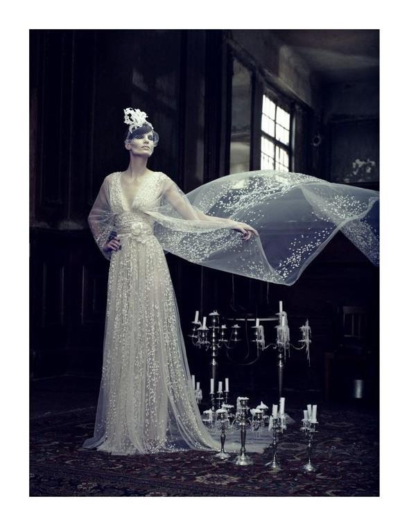 Съемка: Айрис Штрубеггер для немецкого Vogue. Изображение № 6.