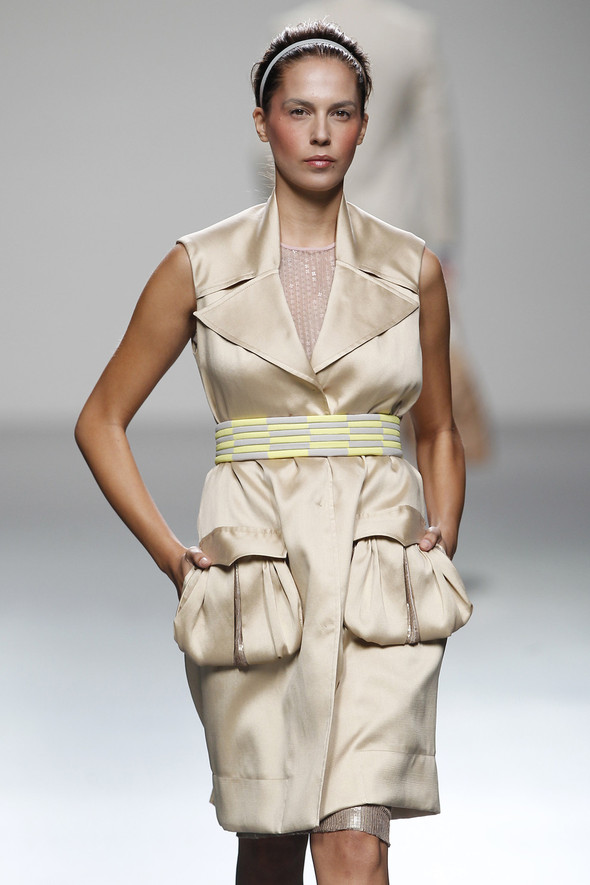 Madrid Fashion Week SS 2012: Victorio & Lucchino. Изображение № 21.