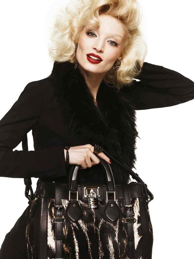 Вышли новые лукбуки Joie, Roberto Cavalli, Juicy Couture и других марок. Изображение № 200.