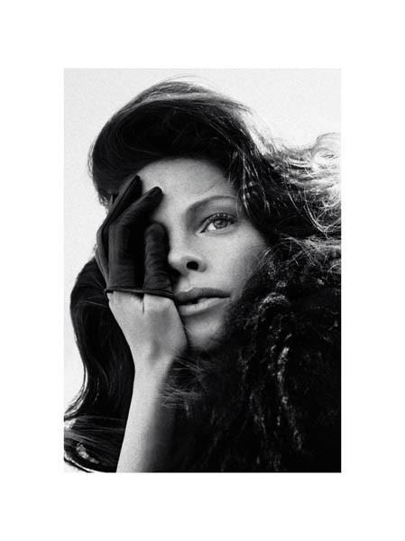 Съёмка из итальянского Marie Claire за август 2011. Изображение № 9.