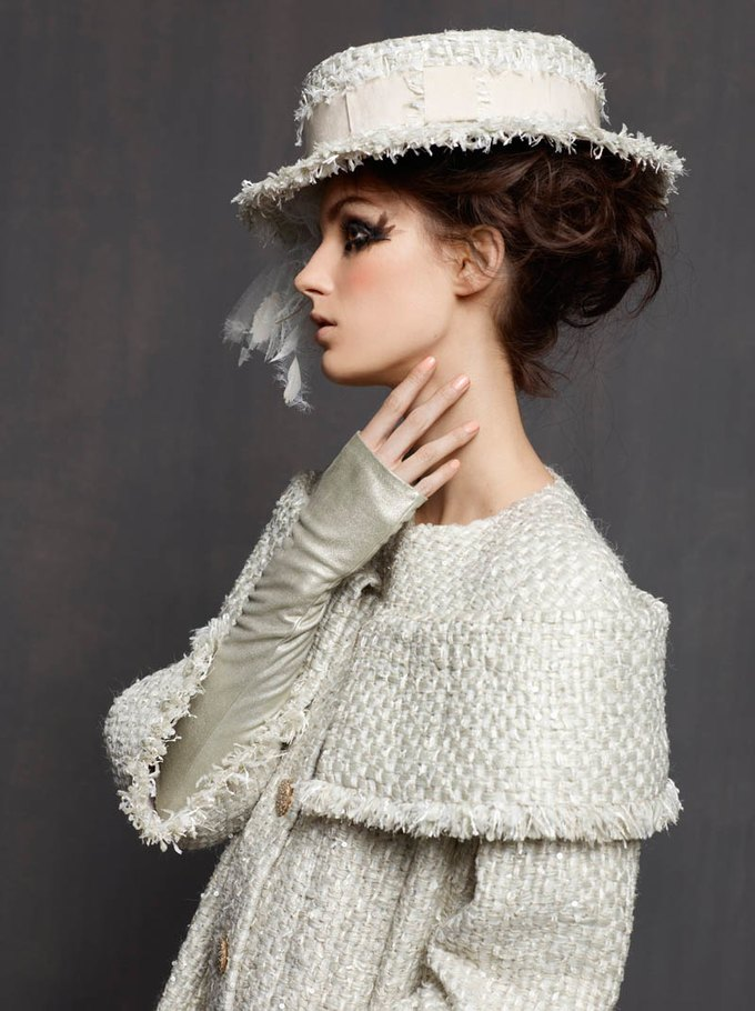 Chanel, Trends Brands и Urban Outfitters показали новые лукбуки. Изображение № 1.