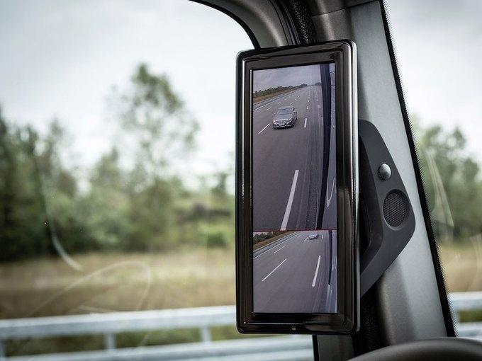 Появились новые фотографии автономного грузовика Mercedes-Benz. Изображение № 9.