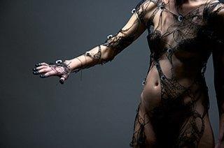 Создатели интерактивной одежды Studio XO — о моде будущего. Изображение № 11.