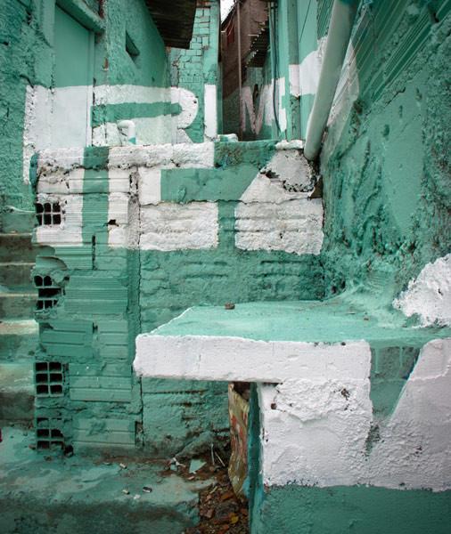 'Свет в переулках' граффити в фавелах. Изображение № 14.