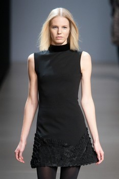 Valentin Yudashkin. Fall-Winter 2010-2011. Изображение № 10.