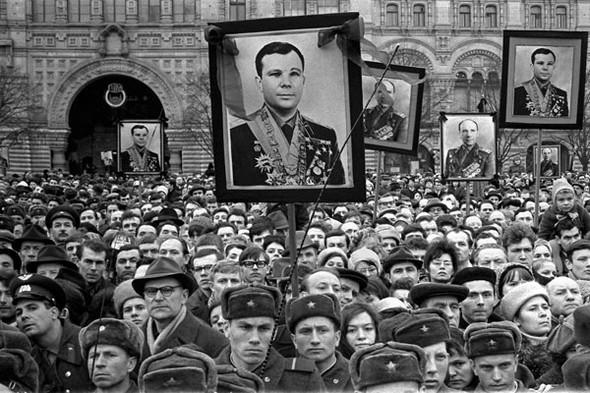 Похороны космонавтов. Изображение № 129.