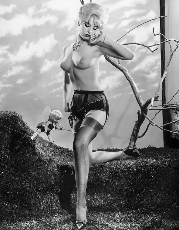Фут-фетишизм иохота наженщин Dian'a Hanson'a. Изображение № 1.
