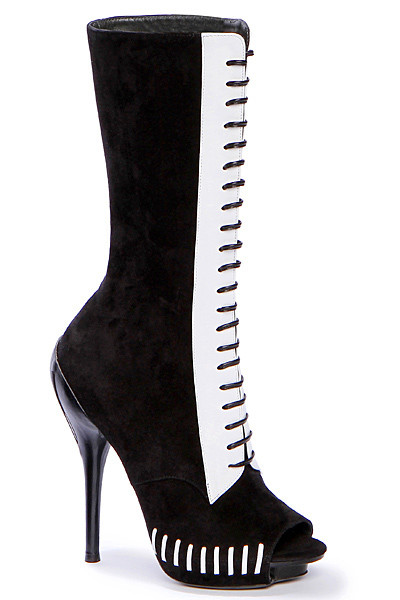 Изображение 81. Лукбуки: Alexander McQueen, Maison Martin Margiela, Versace и другие.. Изображение № 79.