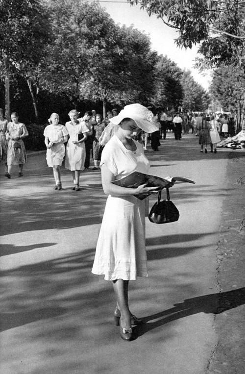 Каждой Советской Женщине – Платье отДиора. Изображение № 5.