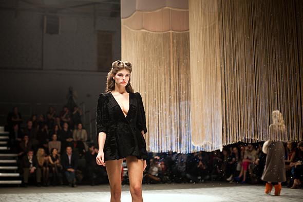 Показ Ulyana Sergeenko FW 2011. Изображение № 14.