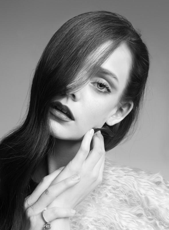 Съёмка: Нимуэ Смит для Glamour. Изображение № 8.