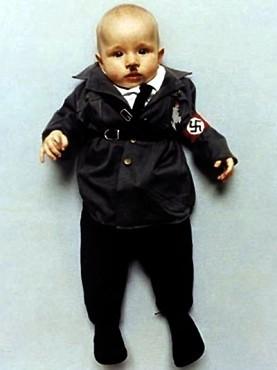Коллекция костюмов мировых диктаторов для детей. Изображение № 1.