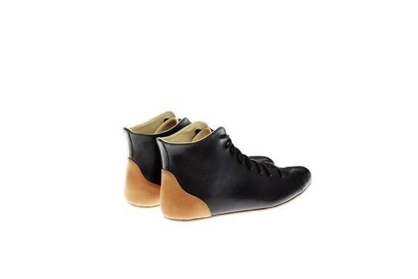 Изображение 10. Простая обувь с оттенком вседозволенности.. Изображение № 9.