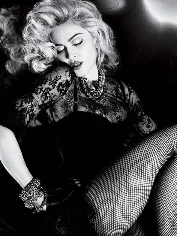 Мадонна в фото Мерта Аласа и Маркуса Пигготта для журнала Interview. Изображение № 5.