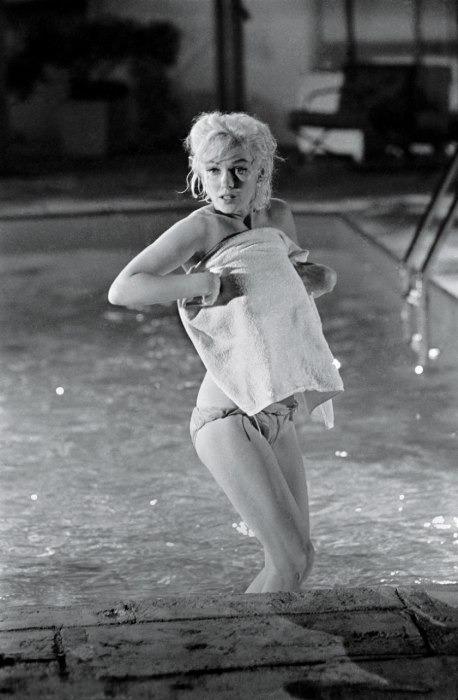 Неопубликованные снимки обнаженной Мерлин Монро за 3 месяца до смерти . Изображение № 2.