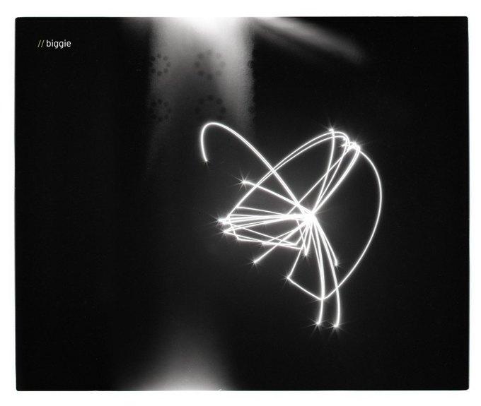 Художник превратил тексты рэпперов в «глобусы» . Изображение № 8.
