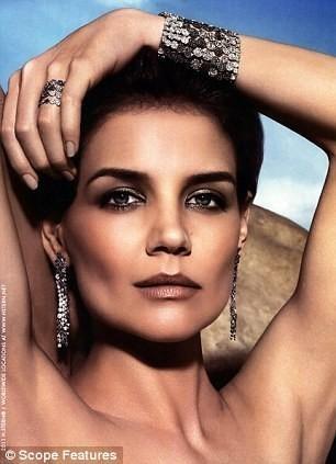 Кампании украшений: Dolce & Gabbana, Tiffany & Co и H. Stern. Изображение № 18.