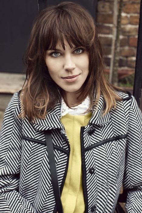 Лукбуки: H&M, Zara, Urban Outfitters и другие. Изображение №71.