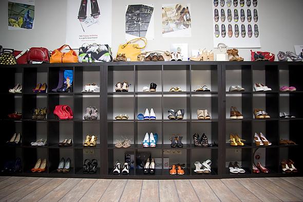 Испанская обувь. Изображение № 1.