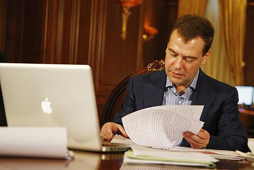Медведев – техногик. Изображение № 3.