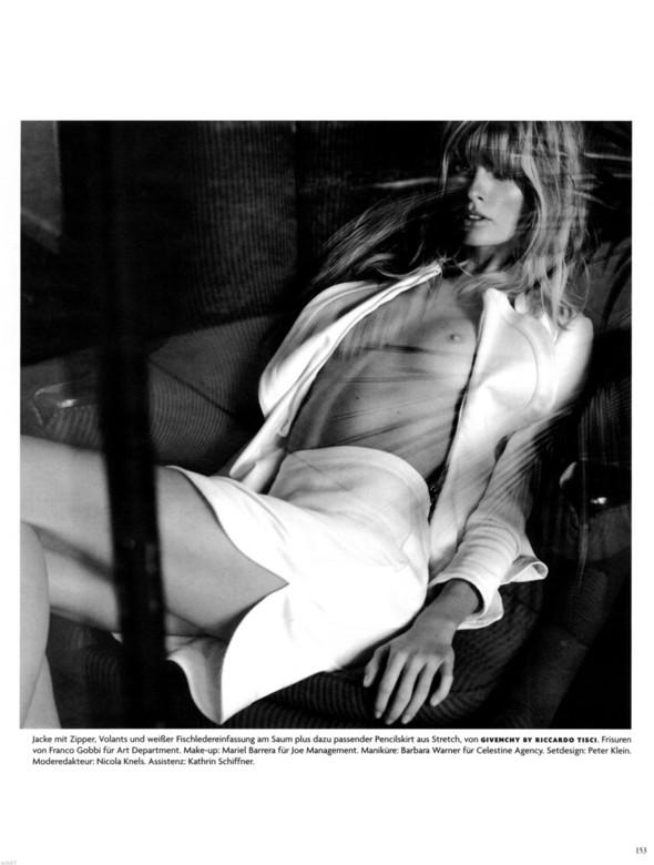 Съёмка: Юлия Штегнер для немецкого Vogue. Изображение № 9.