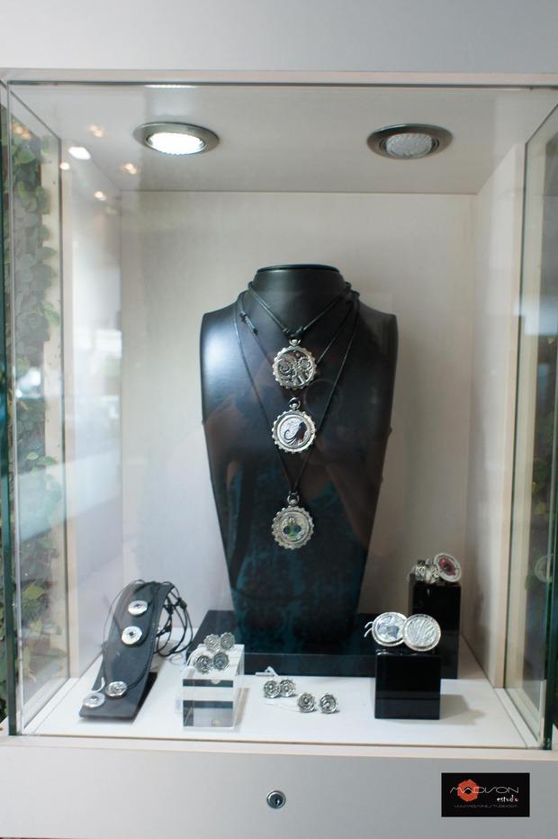 открытие корнера Amova Jewelry в бутике Gomez y Molina в Марбелье, Исп. Изображение № 1.