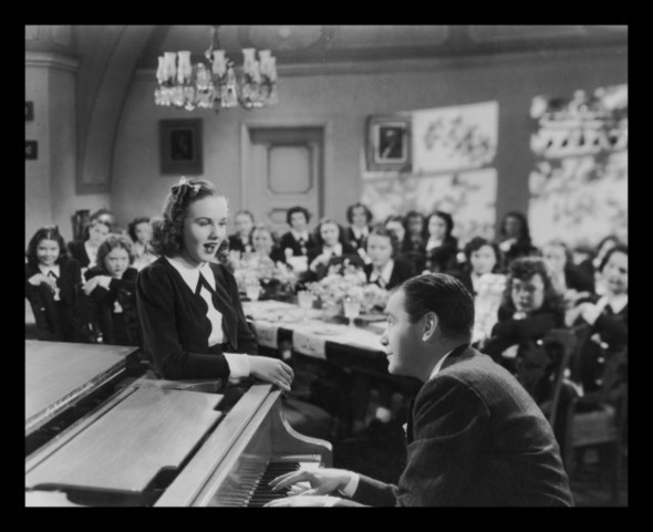 Mad About Music (1938) /  Norman Taurog   /  Deanna Durbin, Herbert Marshall and Gail Patrick. Изображение № 40.