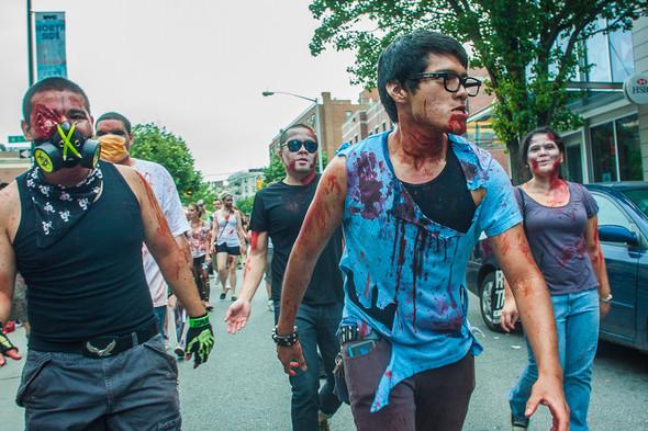 Зомби парад в Нью Йорке. NYC Zombie Crawl.. Изображение № 42.