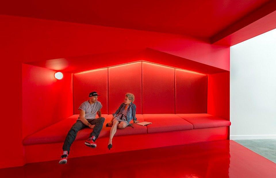 Где работает Доктор Дре: Фоторепортаж из офиса Beats Electronics. Изображение № 3.