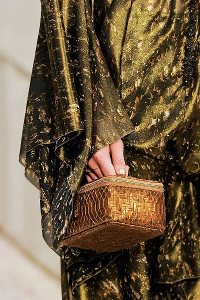 Детали с показа Chanel Pre-Fall 2012. Изображение № 33.